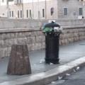 """Un  """"tappeto """" di rifiuti: oggi Trani si risveglia così"""