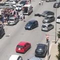 Scontro tra auto e moto in via Superga, i residenti: «Occorrono i dissuasori di velocità»