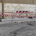 Si staccano calcinacci da un edificio in via Giacinto Francia: nessun danno
