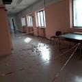 Cadono calcinacci nella scuola media Baldassarre, chiusa un'ala dell'edificio