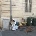 """Gli effetti della differenziata: una  """"discarica """" in via Cavour"""