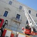Cadono calcinacci dal Tribunale di Trani: intervengono 10 vigili del fuoco