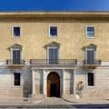 """Trani, opere abusive sul lastrico solare di  """"Palazzo Telesio """": la denuncia del professor Piero Telesio"""