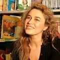 Lory Del Santo a Trani ha presentato il suo ultimo libro