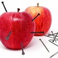 La mela chiodata: l'integratore di ferro nella tradizione popolare