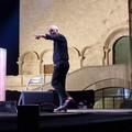 """Panariello mattatore in piazza Duomo: la sua  """"Story """"  piace al pubblico"""