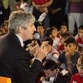 Trani abbraccia Pablito, eroe del mundial di Spagna '82