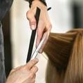 Barbieri e parrucchieri aperti le vigilie di Natale e Capodanno