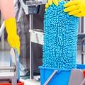 Contratto pulizie e multiservizi: oggi gli addetti incrociano le braccia