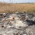 Una discarica fra Trani e Barletta: scarti dei calzaturieri dati alle fiamme