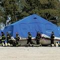 Un punto raccolta per i rifugiati di Manduria