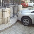 Parcheggi abusivi: piazza Tomaselli regno dell'anarchia