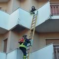 Anziana cade in casa, intervengono i Vigili del Fuoco
