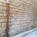 Via Romito e vico San Toma ritornano a splendere: scritte sui muri addio