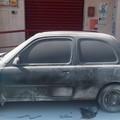 Auto in fiamme in via la Pira: probabile incendio di origine dolosa
