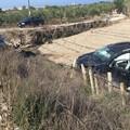 Scontro sulla Trani-Barletta, un'auto finisce fuori strada: tre feriti