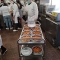 Pasqua e solidarietà, Legambiente e studenti dell'alberghiero donano pasti a famiglie in difficoltà