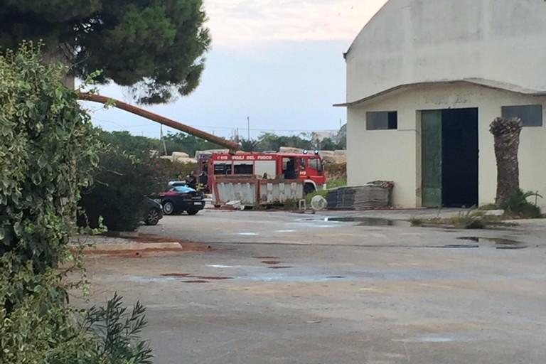 Incendio capannone via Curatoio