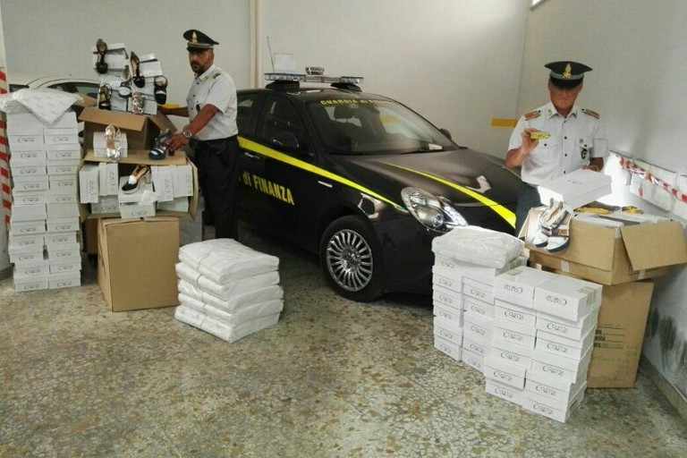 """False scarpe """"Coletta"""", denunciati quattro imprenditori tra Trani e Andria"""