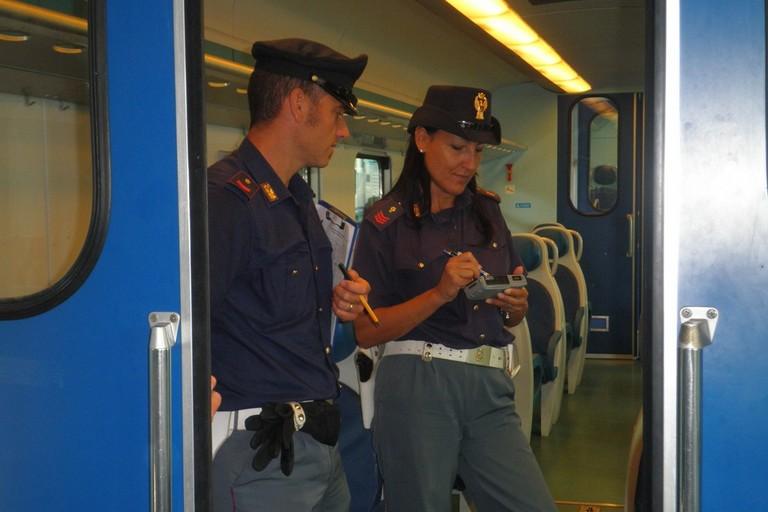 Stazioni ferroviarie passate al setaccio dalla Polfer: un arresto a Udine