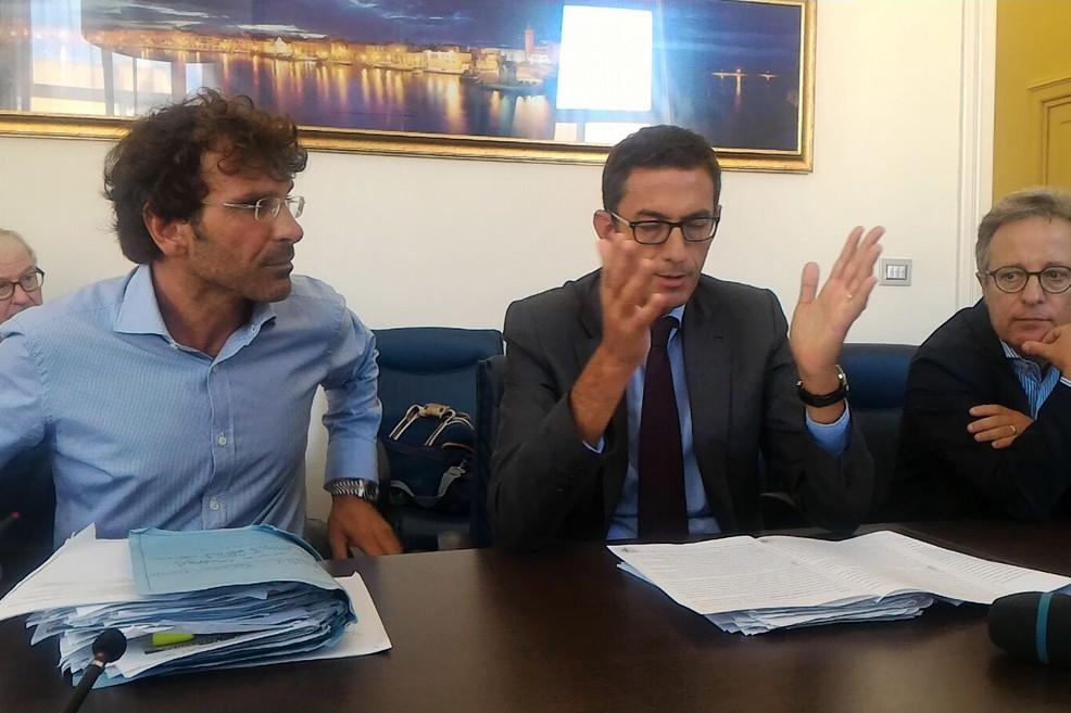 Conferenza chiusura discarica, Bottaro - Di Gregorio