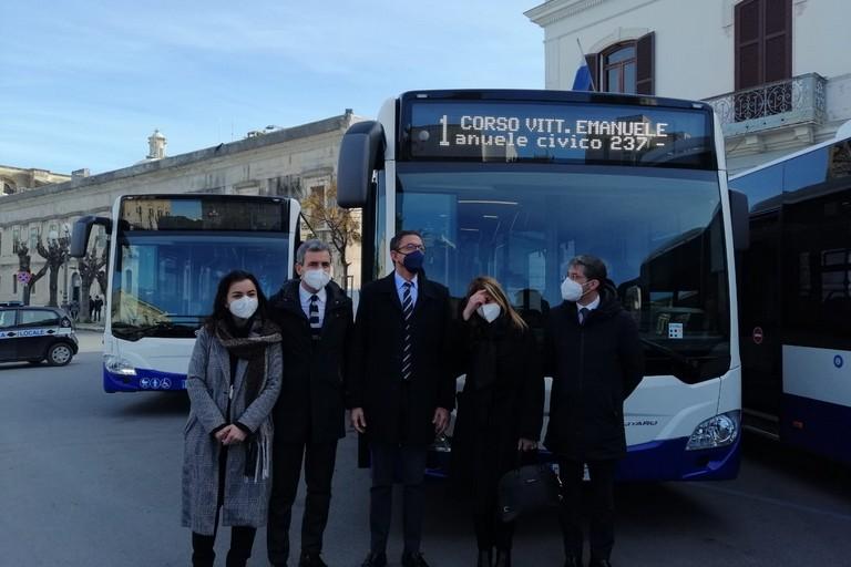 Inaugurati bus Amet