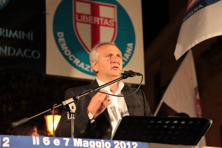 Comizio di Sergio De Feudis nel maggio 2012. <span>Foto Alessandro Bove</span>