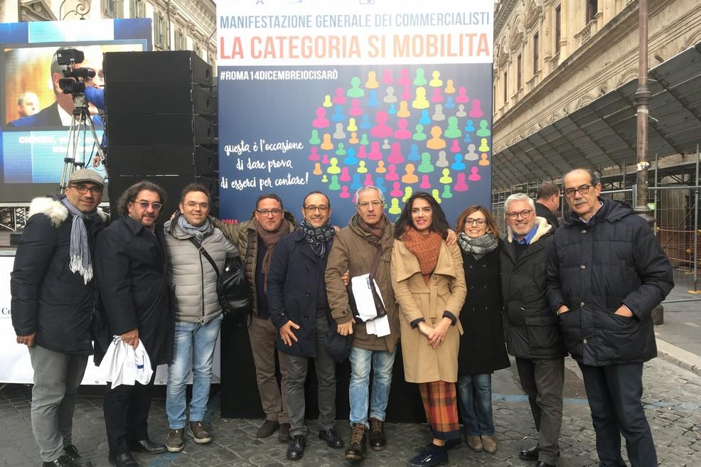 Commercialisti tranesi in protesta a Roma