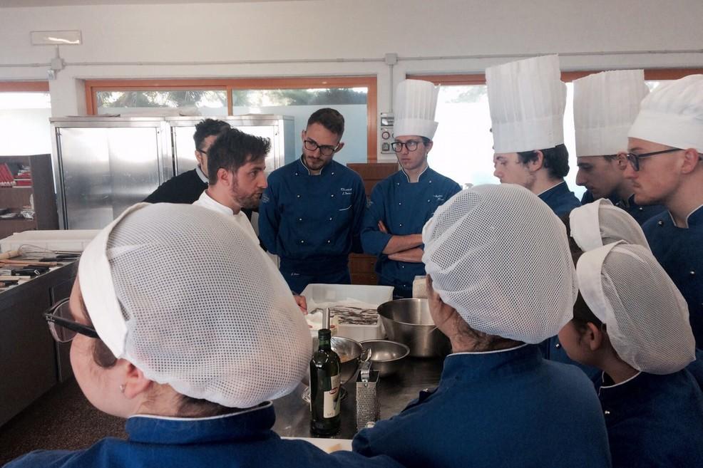 Scuola e cucina, all'istituto Aldo Moro quattro grandi chef