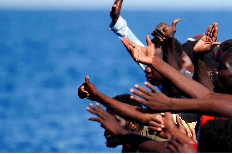 """Trani accoglie 18 migranti sbarcati dalla nave """"Diciotti"""""""