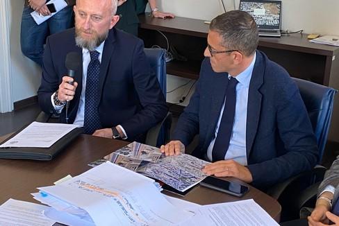 Soppressione passaggio a livello via De Robertis, conferenza stampa