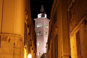 Cattedrale di Trani vista da via Beltrani
