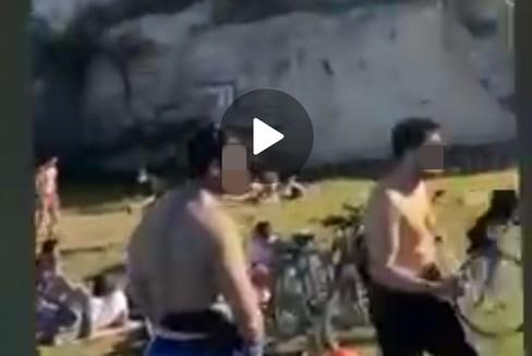 """Festa per 200 persone su una spiaggia di Trani:  """"Qui non ce n'è covid """"?"""