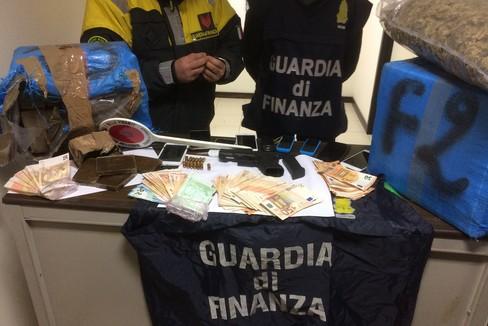 Maxi sequestro di droga della Guardia di Finanza di Trani