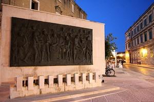 Monumento nono centenario degli Statuti Marittimi