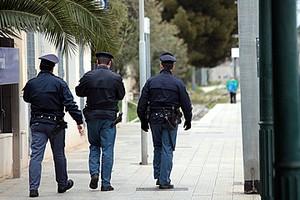 Polizia nella stazione di Trani
