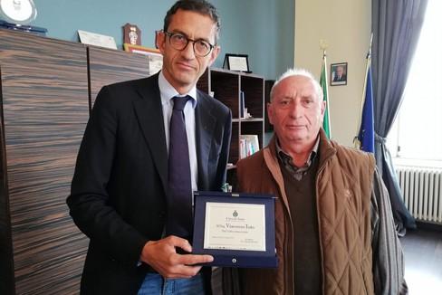 Bottaro premia Vincenzo Tota