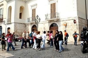Turismo a Trani: turisti e punto informativo