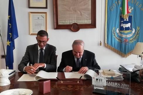Firma del protocollo d'intesa tra Trani e Matera