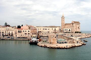 Porto di Trani: la Cattedrale sul mare