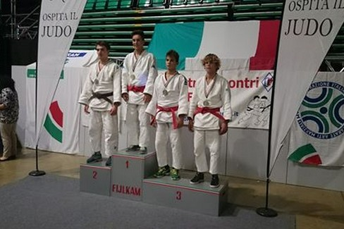 Atleti impegnati con la Judo Trani