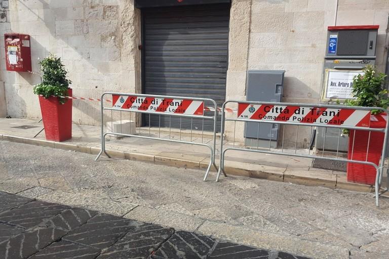 Via Mario Pagano, crolla un pezzo di balcone: nessun ferito
