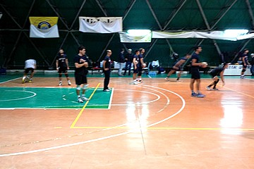 Volley, tensostatico comunale di Trani