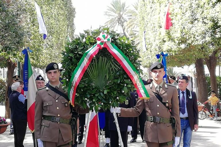Liberazione d'Italia, il sindaco rende omaggio ai caduti di guerra