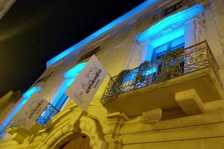 Palazzo Beltrani si tinge di azzurro per la campagna di prevenzione sui tumori maschili