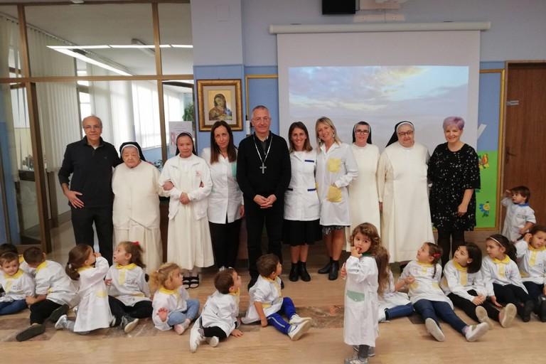 Monsignor d'Ascenzo alla scuola San Paolo