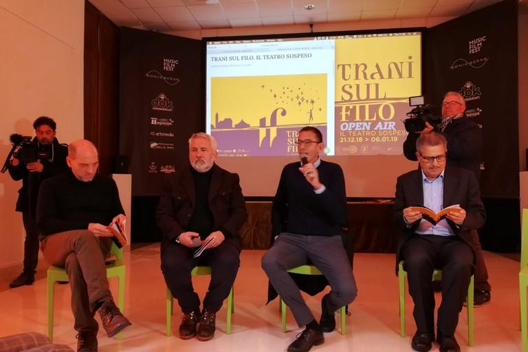 """Natale dal sapore circense: presentata la prima edizione di """"Trani sul filo"""""""