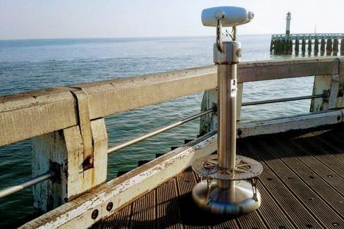 Cannocchiale sul mare