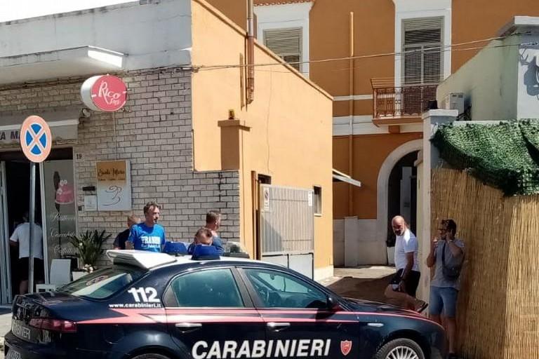 Carabinieri in piazza Indipendenza