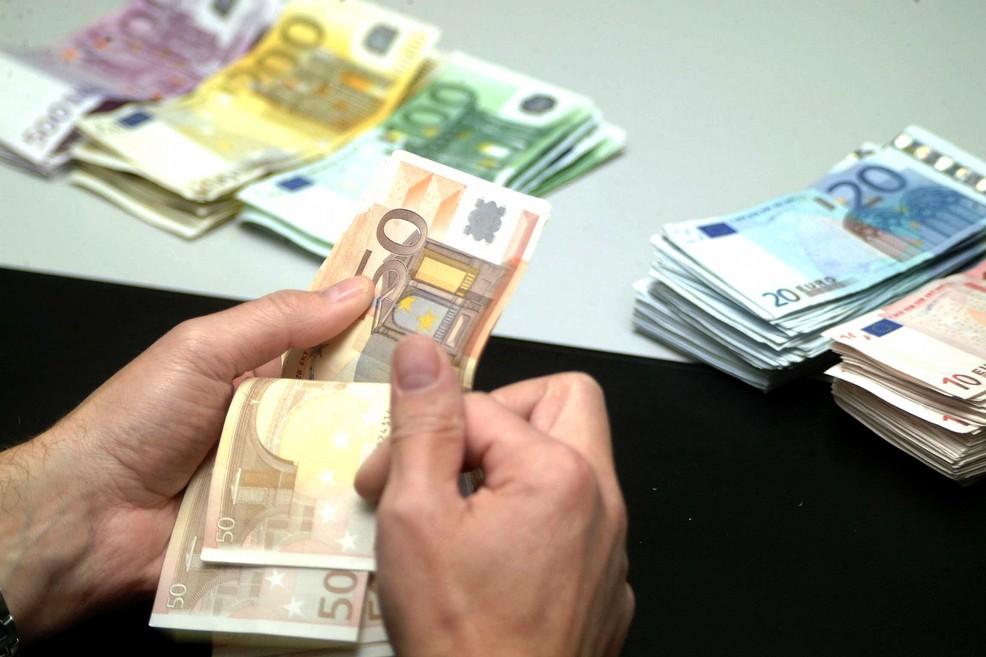 Consiglio comunale, approvati circa 166 mila euro di debiti